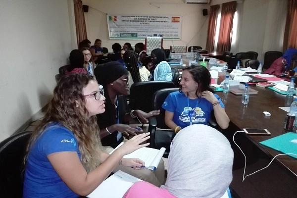 Rapport de l'OIT sur le genre : Les femmes occupant des postes à responsabilité contribuent à améliorer les résultats des entreprises