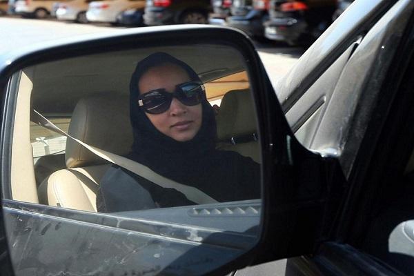 C'est désormais officiel : L'Arabie saoudite lève l'interdiction de conduire faite aux femmes