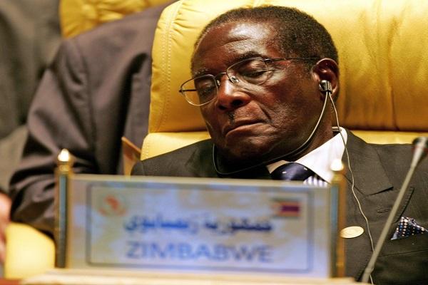 Mugabe se moque de Trump :