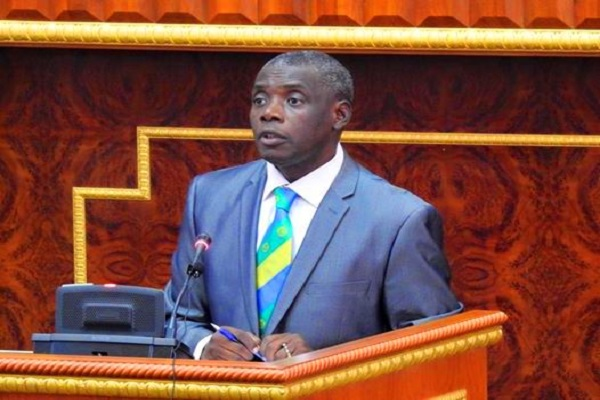Gabon: convoqué par la gendarmerie, le sénateur Jean Christophe Nguéma reste impassible