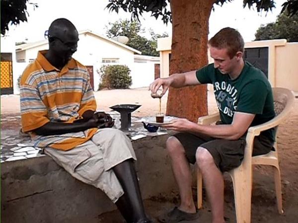 Découverte d'un cadre de discussion et de partage : Autour d'un Ataya, ce thé à la Sénégalaise