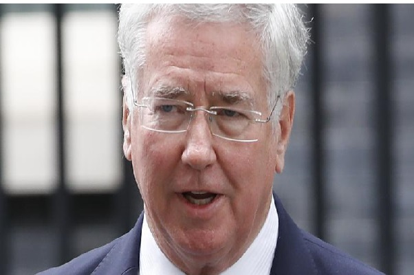 Royaume-Uni : accusé de harcèlement sexuel, le ministre de la Défense, Michael Fallon, démissionne