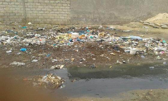 Eaux usées, ordures,  affaissement du mur de clôture du cimetière : La cité religieuse  de Medina Baye présente une  face hideuse