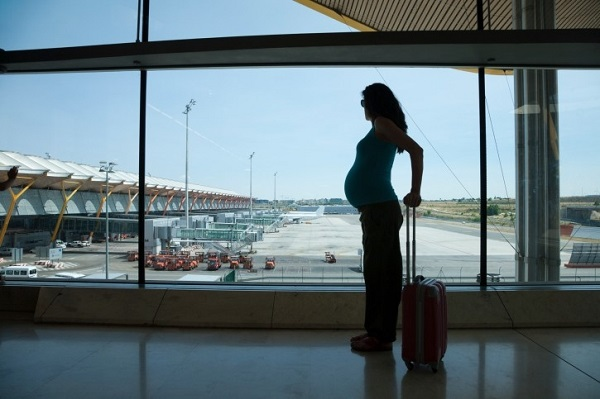 Conseils Santé : 4 choses à éviter lorsque vous voyagez en état de grossesse