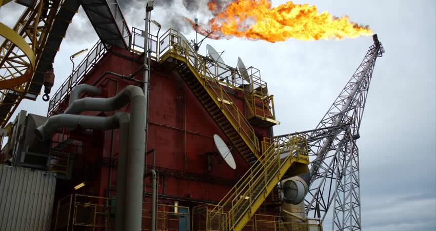 Pétrole Brent : L'AIE table sur une offre mondiale de 98, 04 millions de barils par jour (mb/j)