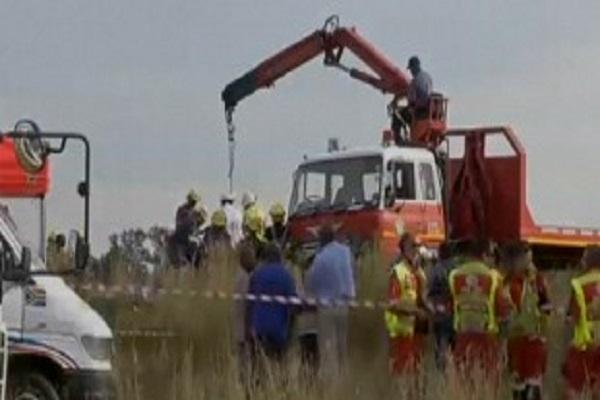 Afrique du Sud: près d'un millier de travailleurs coincés dans une mine suite à une tempête