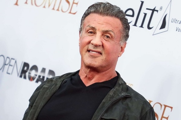 Rumeur quand tu nous tiens ! Donné pour mort depuis lundi matin, Sylvester Stallone rétorque « «S'il vous plait, ignorez ces stupidités… »
