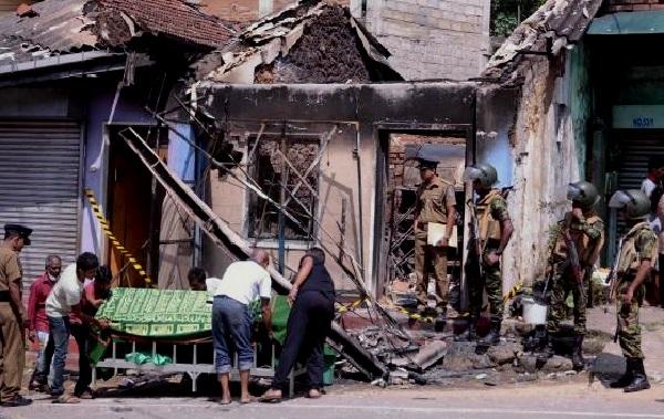 Sri Lanka : l'état d'urgence décrété après une vague de violence contre les musulmans au centre du pays
