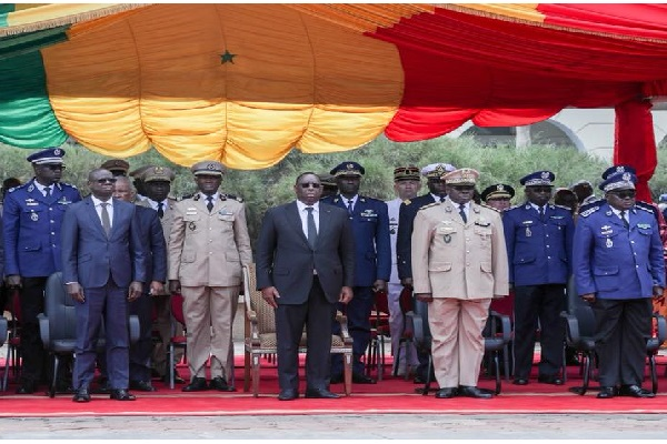 Crash de Missirah : le président Macky Sall à la levée de corps des militaires disparus