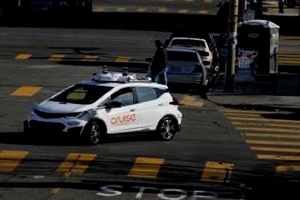 Nouvelles technologies:  une de ses voitures en mode autonome tue un piéton, d'Uber Technologies Inc suspend ses tests