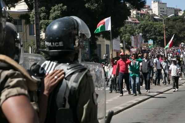Madagascar : la répression d'une manifestation de l'opposition fait un mort