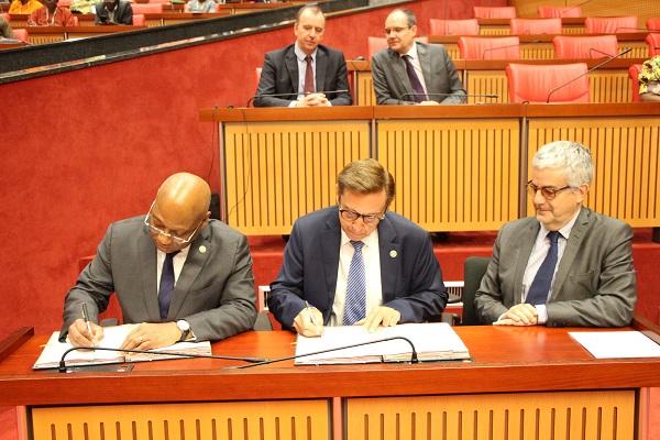 Coopération : Signature de convention entre la commission de la CEDEAO ET l'Agence Française de Développement