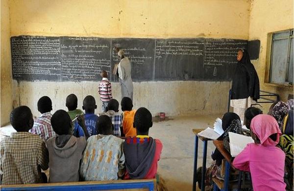 Mali :  des séries d'enquête menées après la découverte de 10 000 enseignants fictifs