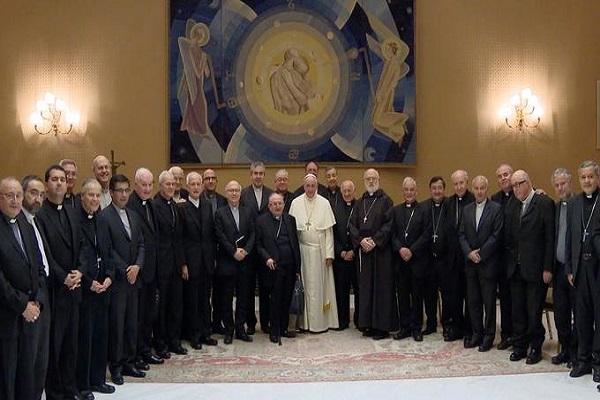 Pédophilie dans l'église chilienne : 34 évêques venus rencontrer le Pape François démissionnent collectivement