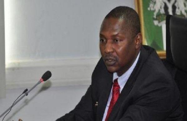 Nigeria: 500 millions de dollars de fonds détournés vont retourner dans les caisses de l'Etat