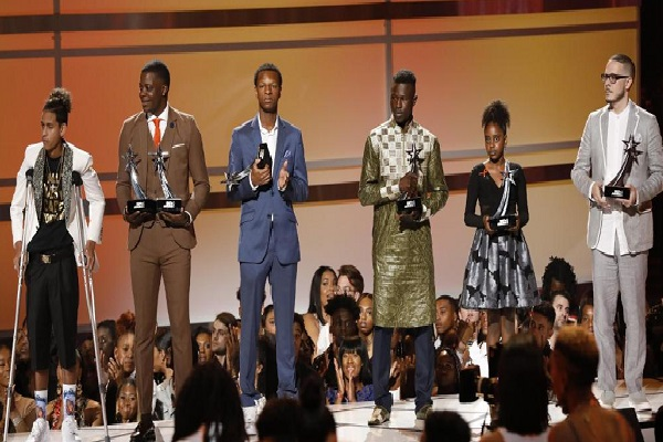 Mamadou Gassama honoré aux Etats-Unis : le héros malien récompensé d'un BET Award, prix des personnalités noires