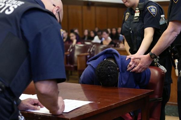 Manhattan-Justice : une policière écope de huit ans de prison pour livraison de drogue
