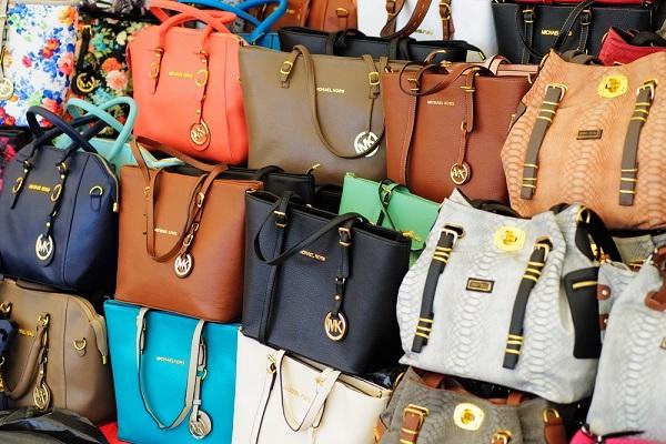 Economie : la contrefaçon fait perdre près de 60 milliards d'euros par an à L'Europe
