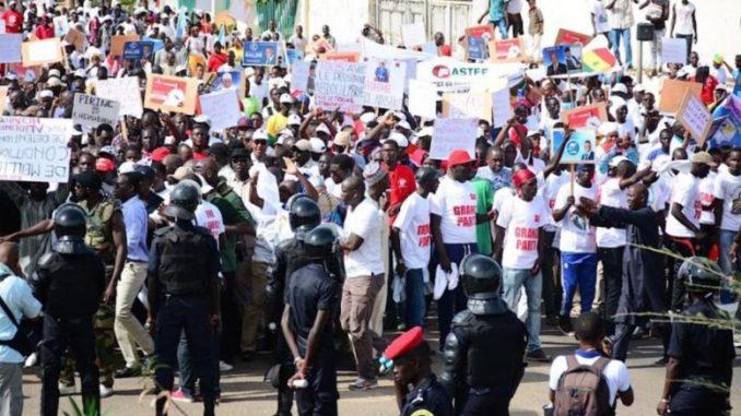 Marche de l'opposition :  satisfaits de la mobilisation, les leaders ont exprimé colère face au peuple