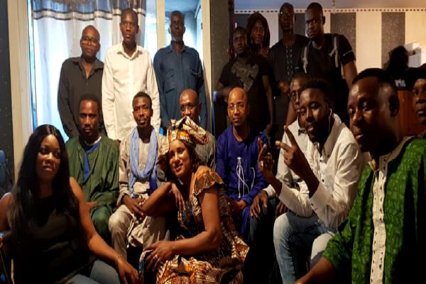 France : des ressortissants de 27 Villages du Ferlo manifestent leur soutien à Maitre Alioune Badara Cissé
