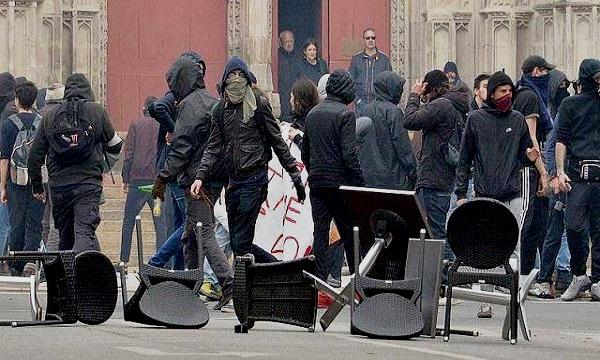 France : violente nuit à Nantes après le décès d'un jeune de 22 ans tué par la police