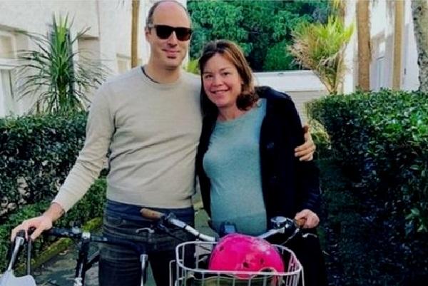 Nouvelle-Zélande : une ministre se rend à son accouchement en conduisant son vélo