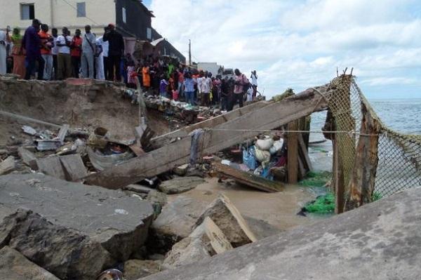 Saint-Louis : les autorités appelées à réagir vite face à la « situation intenable » des familles déplacées de la Langue de Barbarie