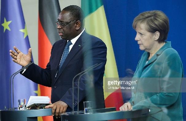 VAngela Merkel à Dakar : Non ! L'Allemagne, selon l'accord de Dublin 3,  n'a pas le droit d'expulser vers le Sénégal, Macky Sall doit aussi revoir ses chiffres