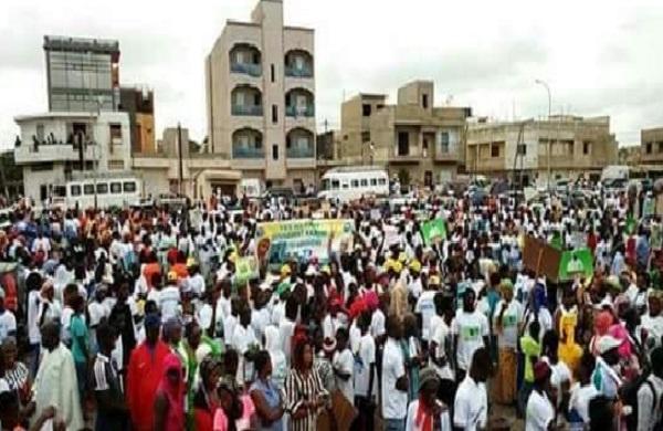 Manifestation à Dakar : démonstration de force de l'opposition sénégalaise qui menace