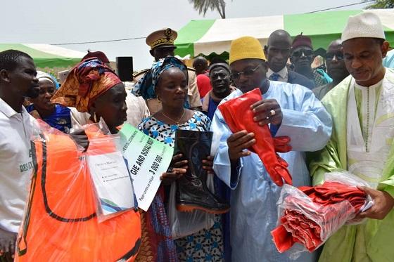 Moumbaye Gandiol : Remise d'équipements et de financements aux femmes
