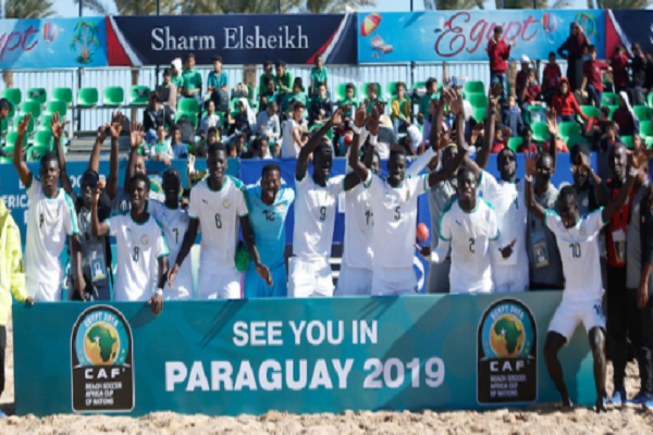 Football : le Sénégal remporte la coupe d'Afrique des nations de Beach soccer