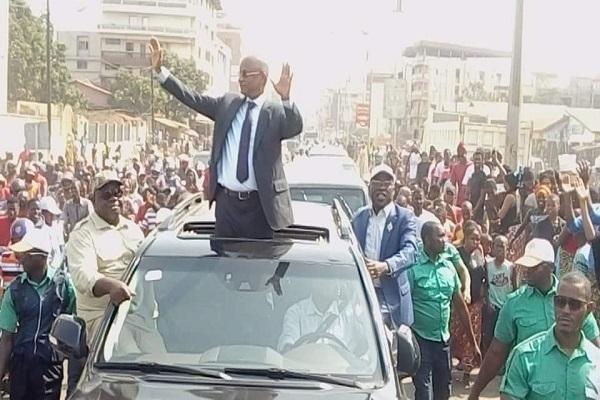 Guinée : son retour marqué par des violences, Cellou Dalein Diallo s'insurge contre les forces de l'ordre