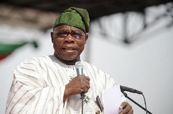 Nigeria : l'ancien président Obasanjo persiste et signe le candidat « Atiku est un voleur »