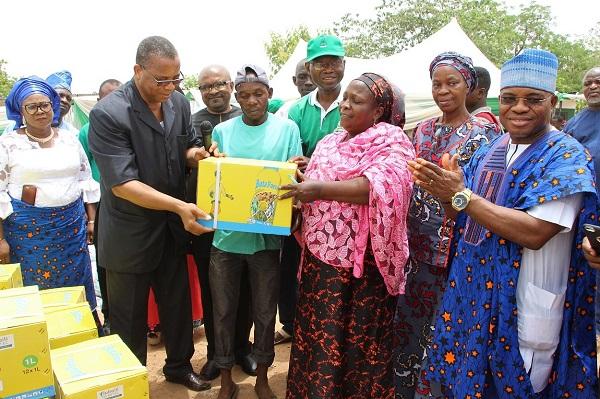 Personnes déplacées à Abuja: LA CEDEAO et la Coopération Espagnole offrent des graines améliorées et d'autres matériels d'exploitation agricole