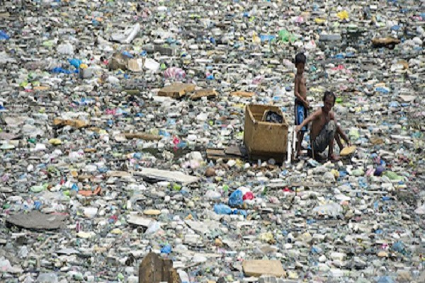 Interdiction des sachets d'eau au Sénégal: « Une étape positive vers la rupture avec les plastiques à usage unique »