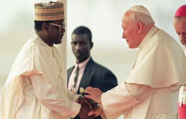 Nigeria : Un compte de l'ancien président Sani Abacha  déniché à Jersey, Plus de 267 millions de dollars saisis