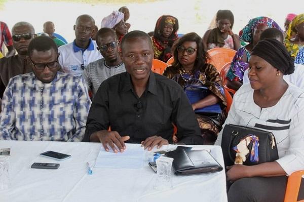 Le PASTEF bombarde: « Devant une situation économique plus que morose, Macky  pour camoufler le mal-être des Sénégalais dont il est le seul responsable… »