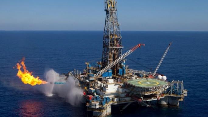 Exploitation des ressources pétrolières et gazières :  Une nécessité économique et un  risque environnemental