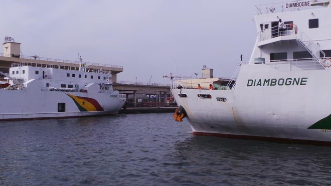 Transport maritime : Macky Sall réceptionne des navires « Aguene » et « Diambogne »