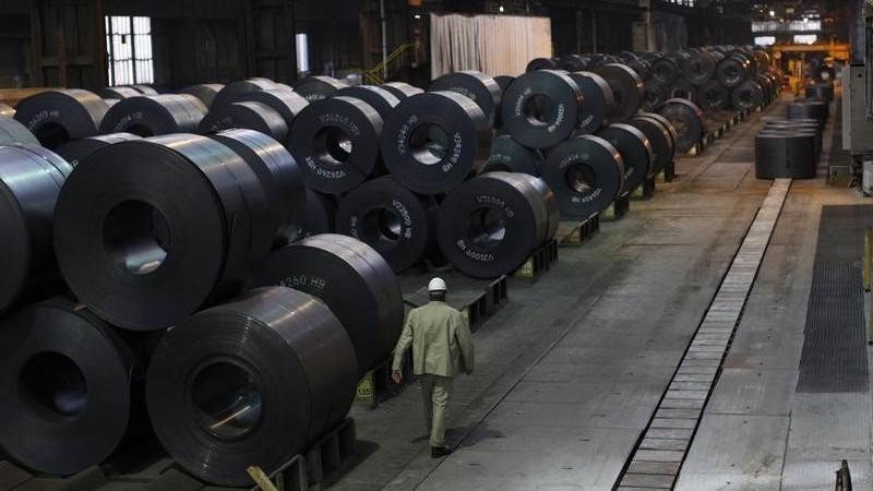 L'indice de production industrielle en hausse en décembre 2014