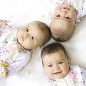 Enceinte de triplées, elle n'écoute pas les médecins qui lui conseillaient d'interrompre cette grossesse…