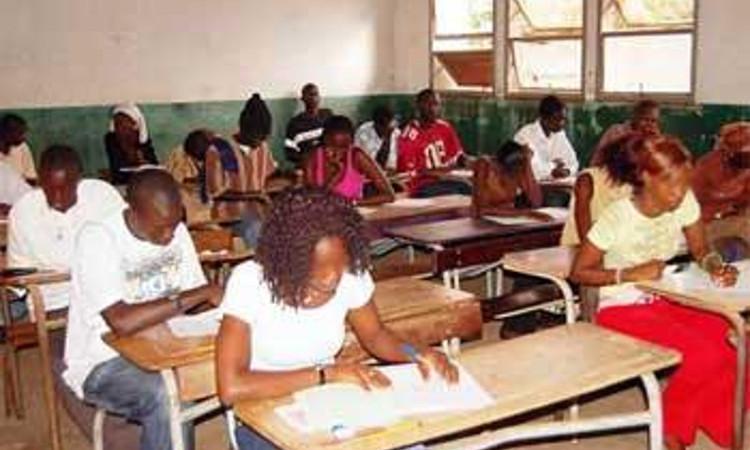 Crise du Secteur de l'éducation nationale : Le président Macky pour des concertations régulières afin d'asseoir un consensus durable
