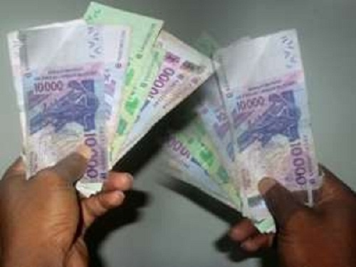 Transferts rapides d'argent  Les sommes  reçues par les établissements de crédit du Sénégal  estimées 211,8 milliards FCFA
