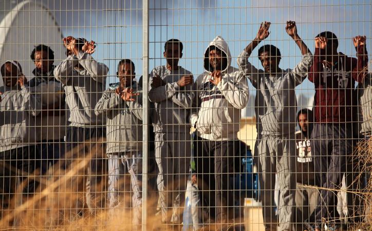 Migration clandestine : Donald Trump propose à l'Espagne de « construire un mur dans le Sahara » pour contrer le phénomène