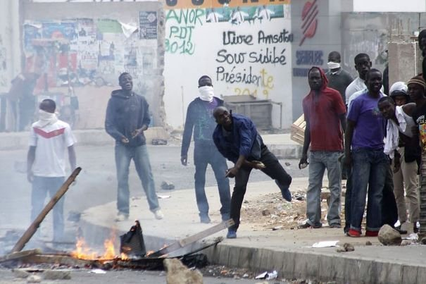 Ousmane Sonko en garde à vue : Une vraie guérilla urbaine s'installe à Dakar