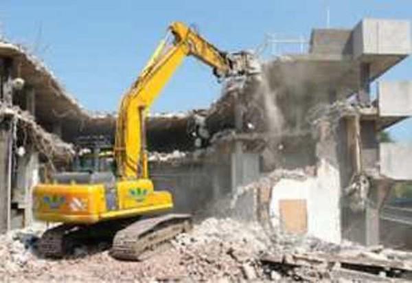 Louga : la démolition d'un bâtiment menaçant soulage les habitants les quartiers Montagne et Artillerie