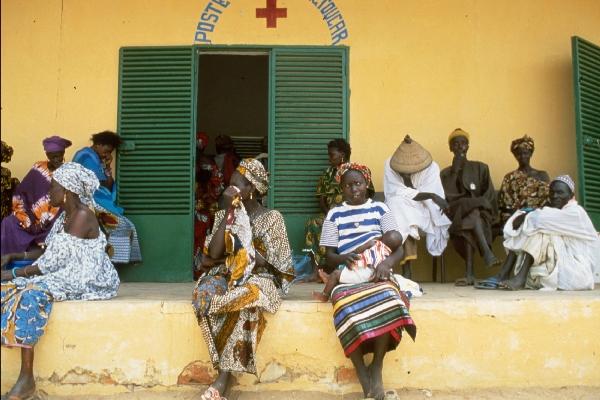 Solidarité : Yakham Thiam et Vision Sociale Sénégal (V2S) au chevet des enfants malades