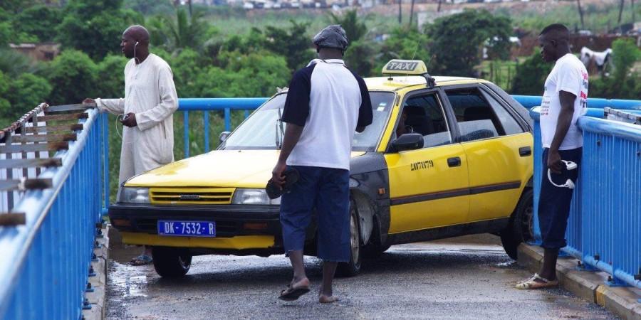 Indiscipline notoire : Le taximan de la Passerelle piétonne tombe, d'autres dans le collimateur de la Police
