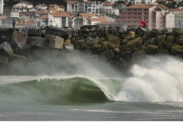 La mer en furie sème le désarroi dans plusieurs localités