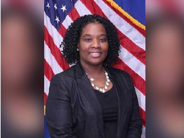 New Jersey  Novella Spruill, la première femme, première afro-américaine chef des officiers judiciaires d'un comté